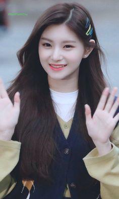Cute Girl Pic, Stylish Girl Pic, Cute Girls, Cool Girl, Kpop Girl Groups, Korean Girl Groups, Kpop Girls, Cute Korean Girl, Asian Girl