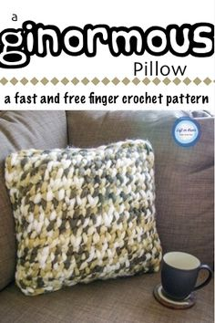 Update your home decor with this FREE crochet pattern! You only need some super bulky yarn, your fingers and a few hours to make this modern throw pillow. Finger crochet is a trendy technique right now and this is a great project for learning how to do it!