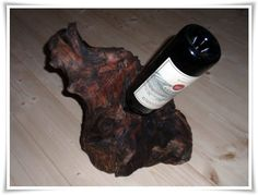 Weinregale - Weinhalter aus Tiroler Treibholz - ein Designerstück von HOAMELIGundSCHEAN bei DaWanda Country Stil, Wine Rack, Etsy Shop, Home Decor, Home Goods, Home Decor Accessories, Wood Art, Driftwood, Old Wood