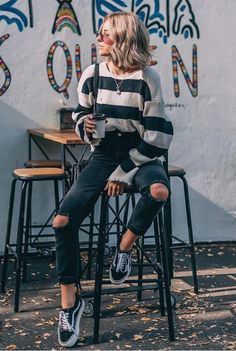 stylish fall outfits for school you need to wear now . stylish fall outfits for school you need to wear now . Winter Outfits For Teen Girls, Spring Outfits For School, Cute Spring Outfits, Cute Casual Outfits, Hipster Teen Outfits, Rock Fall Outfits, Cute Outfit Ideas For School, Fall Outfit Ideas, Vintage Hipster Outfits