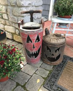 180 Likes, 18 Comments - Cindi Rustic Halloween, Creepy Halloween Decorations, Spooky Halloween, Halloween Pumpkins, Fall Decorations, Halloween Stuff, Halloween Party, Fall Projects, Halloween Projects