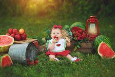 Watermelon Photo Shoots, Watermelon Pictures, Watermelon Baby, First Birthday Photos, Birthday Pictures, 1st Birthday Girls, Summer Baby Photos, Baby Girl Photos, Newborn Pictures
