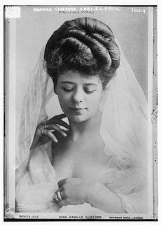 15 des plus belles femmes de 1900 - 2Tout2Rien Edwardian Hairstyles, Vintage Hairstyles, Edwardian Era, Edwardian Fashion, Vintage Fashion, Vintage Photos Women, Vintage Ladies, Victorian Ladies, Victorian Era