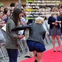 Evanna Lynch on the red carpet! Lol