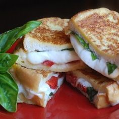 Delicious mozzarella grilled cheese french toast(ish) sandwhich!