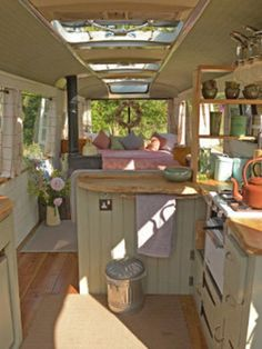 Love this vintage bus converted into a home. Great idea for a little guest house. Love this. Love this vintage bus converted into a home. Great idea for a little guest house. Love this vintage bus converted into a home. Great idea for a little guest Bus Living, Tiny House Living, Caravan Living, Living Room, Maison Transportable, School Bus House, Kombi Home, Casas Containers, Van Home