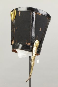 Courtesy of The Royal Armoury. //  Tschakå, 1800-talets början. // Shako, early 1800s.