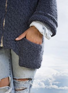 Jakke med lomme #Skappel #SandnesGarn #SuriAlpakka Chrochet, Leg Warmers, Fingerless Gloves, Sewing, Knitting, Knits, Creative, Accessories, Fashion
