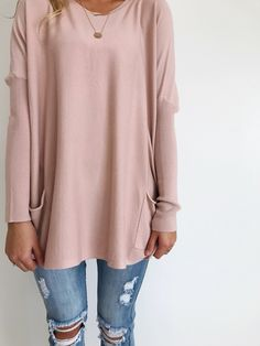 Soft Knit Dusted Pink Sweater Ribbed Knit Fitted Long Sleeve Loose Fit Front Pockets Also Available in Ivory Mode Outfits, Fall Outfits, Casual Outfits, Fashion Casual, Fashion Outfits, Estilo Jeans, Look 2018, Mode Inspiration, Swagg