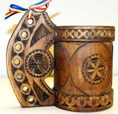 Cana ciobaneasca incrustata in lemn de tei