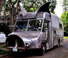 The Flying Tortoise: A Pig Of A Housebus...  BBQ anyone?