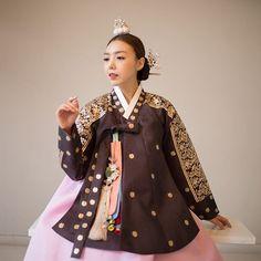 Korean Dress, Korean Outfits, Korean Clothes, Korean Traditional, Traditional Dresses, Historical Costume, Korean Fashion, Dress Outfits, Personal Style