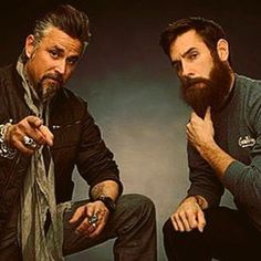 Richard Rawlings and Aaron Kaufman-two of the most good looking car guys ever Aaron Kaufman, Car Guru, Richard Rawlings, Fast And Loud, Rocker Look, Country Guys, Good Looking Cars, Gas Monkey Garage, Ll Cool J