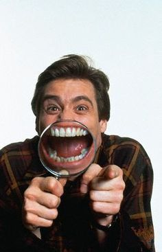 magnifying glass smiles - definitely going to get some and having a magnifying smiling contest and conversation with the kiddipies! The Truman Show, Kevin Hart, Silly Faces, Funny Faces, Chuck Norris, Mean Girls, Jim Carrey Funny, Jim Carey, Photo Repair
