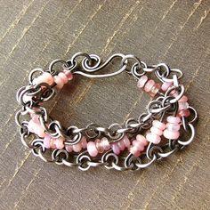 Cool wire & chain idea.