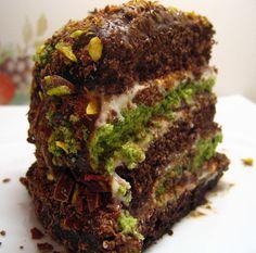 Çikolatalı Fıstıklı Pasta yapılışı, Çikolatalı Fıstıklı Pasta tarifi, Pasta tarifleri