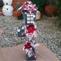 Sharalyn's Christmas Lamp Post is gorgeous! All paper! 3d Paper Projects, 3d Paper Crafts, Cardboard Crafts, Christmas Projects, Christmas Crafts, Christmas Lamp Post, Christmas Lanterns, Christmas Diy, Christmas Decorations