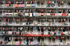 25 incredibly claustrophobic photos that will make you think about our crowded planet - A student dormitory at a college in Wuhan, Hubei Student Dormitory, Student House, Photos 2016, Great Wall Of China, Wuhan, Kids Health, Crowd, Around The Worlds, Pictures