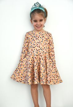 """A couple of weeks ago Madeit Patterns released the first of their """"No Frills"""" patterns: the SPIN Dress. Its a super cool skater dress and since I had never made one before and had the …"""
