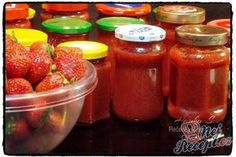 Fantastická jahodová marmeláda, hotová do půl hodinky | NejRecept.cz Home Canning, Comfort Food, Ketchup, Salsa, Spices, Strawberry, Food And Drink, Smoothie, Jar