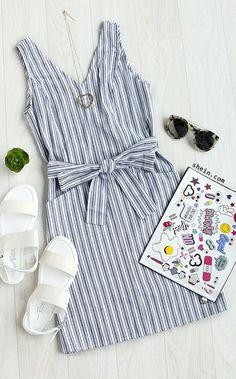 Multicolor Striped Sleeveless Waistband Pockets Dress