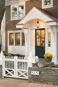 70 Best Modern Farmhouse Front Door Entrance Design Ideas 38 – Home Design Front Door Overhang, Front Door Porch, Front Door Entrance, Exterior Front Doors, House Entrance, House Doors, Front Porches, Basement Entrance, Porch Roof