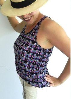 Kup mój przedmiot na #vintedpl http://www.vinted.pl/damska-odziez/koszulki-na-ramiaczkach-koszulki-bez-rekawow/14461855-bluzka-na-ramiaczkach-motyle-multicolor-rozm