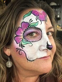 Fast Sugar Skull face painting for Halloween events Sugar Skull Face Paint, Sugar Skulls, Skull Painting, Face Painting Designs, Halloween Makeup, Halloween Face, Halloween Costumes, Make Up Tricks, Face Art