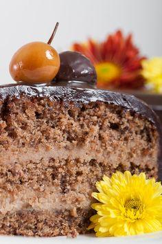 Chocolate Walnut Cake with Chestnut Caramel Cream ✤ Шоколадово-ореховa торта с кестенов крем и карамел