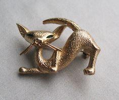 Vintage Boucher Gold Tone Cat Pin by bunnystrunkshow on Etsy