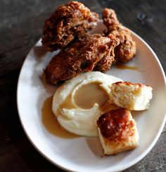 We love comfort food and Culinary Dropout at the Hard Rock Hotel provides it with their fried chicken.