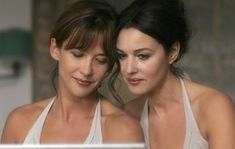 Sophie Marceau and Monica Bellucci in Ne te retourne pas directed by Marina de Van, 2009 Beautiful Celebrities, Beautiful Actresses, Most Beautiful Women, Italian Actress, French Actress, Brad Pitt, Sophie Marceau Photos, Deneuve, Jolie Photo