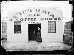 Green's Pie and Coffee Rooms, Hill End, NSW, Photo Credit: Beaufoy Merlin / Charles Bayliss Perth, Coffee Room, Black Hills Gold Jewelry, Gold Rush, Old Photos, Vintage Shops, The Past, Victorian, Pictures
