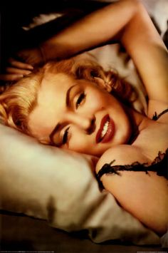 Marilyn Monroe - One of the most beautiful and iconic females in history. LOVE HER!