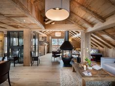 Gorgeous Spacious Chalet With Warm And Cosy Ambience 35 Chalet Design, House Design, Chalet Meribel, Chalet Interior, Interior Design, Luxury Interior, Chalet Chic, Ski Chalet, Location Chalet