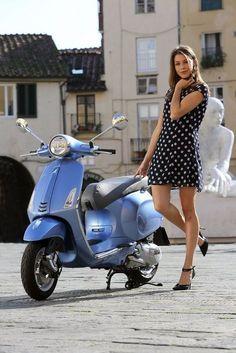 Modern Vespa : Your new daily respectable, clothed scooter girls Piaggio Vespa, Lambretta Scooter, Vespa Scooters, Scooter Scooter, Scooter Shop, Scooter Motorcycle, Motorbike Girl, 2014 Trends, Vespa Primavera