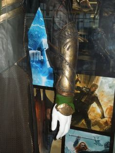 Armoured sleeve Loki costume Thor: The Dark World