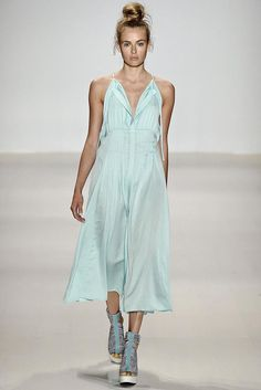 Nanette Lepore Spring 2015 Ready-to-Wear