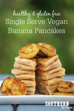 dairy free smoothie This Single Serve Vegan Banana Pancakes Recipe takes just minutes to make perfect light and fluffy pancakes. Served with caramelized sauted bananas on top, its t Sugar Free Pancakes, Vegan Banana Pancakes, Fluffy Pancakes, Oat Pancakes, Single Serving Pancake, Egg Free Recipes, Easy Recipes, Vegan Recipes, Single Serve Desserts
