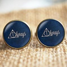 Harry Potter Cufflinks for the Groom. Click on the image to see the full gallery on Harry Potter Themed Wedding.