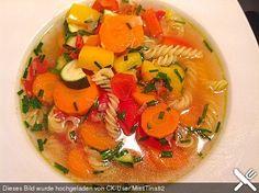 15 Minuten - Gemüse - Nudel - Suppe, ein schönes Rezept aus der Kategorie Gemüse. Bewertungen: 264. Durchschnitt: Ø 4,4.