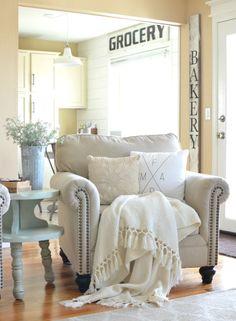 78 Gorgeous Farmhouse Living Room Makover Ideas