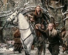 The War of the last Alliance happened before they were born. Neither Tauriel or Legolas understand why Thranduil has devoted his life tp protecting his People from such horrors. Le Hobbit Thorin, Legolas And Thranduil, Lotr, Elfa, Evangeline Lilly, Fanart, Jrr Tolkien, Tolkien Books, Harry Potter