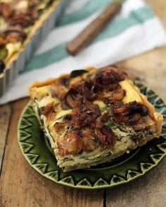 Tarta z pieczarkami i karmelizowanym czosnkiem
