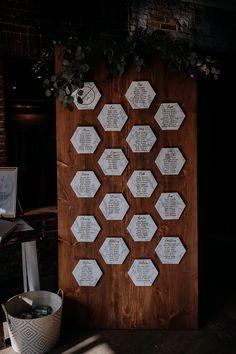 ideas for wedding planning diy seating charts Diy Reception Decorations, Reception Ideas, Wedding Favor Table, Wedding Favors, Wedding Souvenir, Wedding Reception, Wedding Invitations, Wedding Signage, Wedding Cards