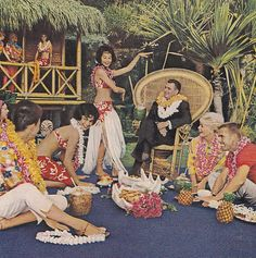 Mai-Kai Polynesian Restaurant FL 1963 1963 ad for Barwick carpets featuring Mai-Kai Polynesian Restaurant in Ft. Tiki Hawaii, Hawaiian Tiki, Vintage Hawaiian, Tiki Art, Tiki Tiki, Vintage Tiki, Vintage Ads, Vintage Style, Tiki Lounge