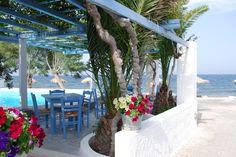 Gorgeous scene in Kamari, Santorini