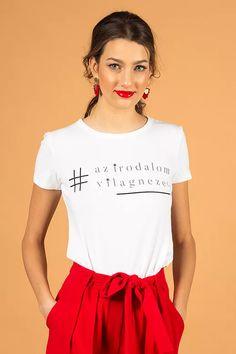 """azirodalomvilagnezet"" póló - V I K T O R I A V A R G A Budapest, V Neck, T Shirt, Tops, Women, Fashion, Tee, Moda, Women's"