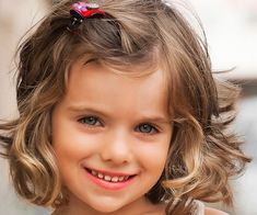 These adorable toddler haircuts will help you decide which look is just right for your little. Little Girl Curly Hair, Little Girl Short Haircuts, Toddler Haircuts, Cute Little Girl Hairstyles, Cute Haircuts, Haircuts For Curly Hair, Flower Girl Hairstyles, Curly Hair Cuts, Short Hair Cuts