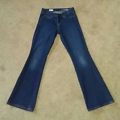 Gap Perfect Boot jeans size 27 s Gap Perfect Boot jeans size 27 s GAP Jeans Boot Cut